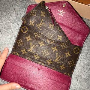 Louis Vuitton Joséphine wallet fuchsia